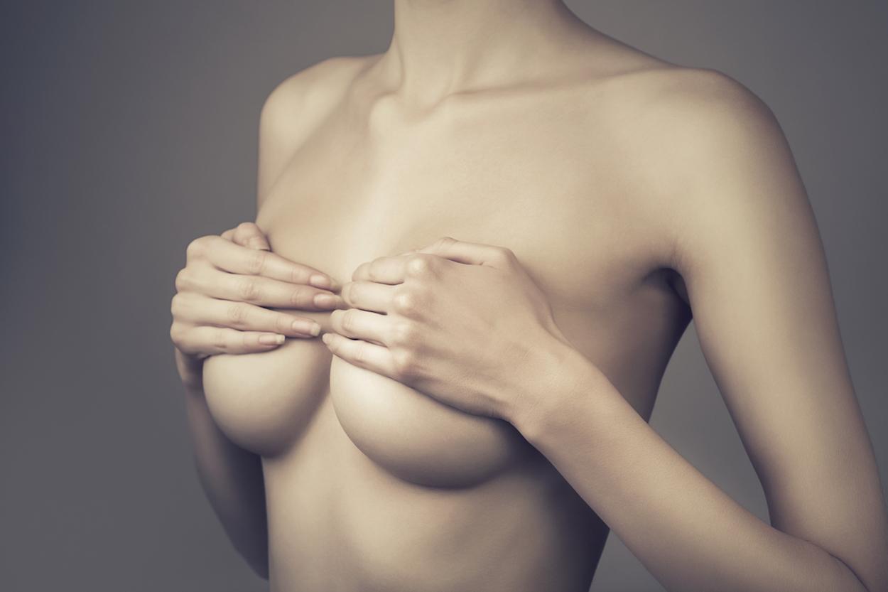 shutterstock 117782836 Augmentation mammaire
